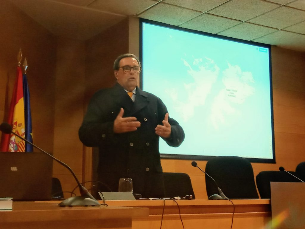 """SEMINARIO """"MALVINAS-CHAGOS"""", PROF. DR. JUAN FERNANDO ARMAGNAGUE, 17 enero 2020"""